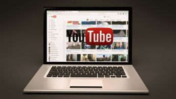 how to timestamp youtube videos featured image
